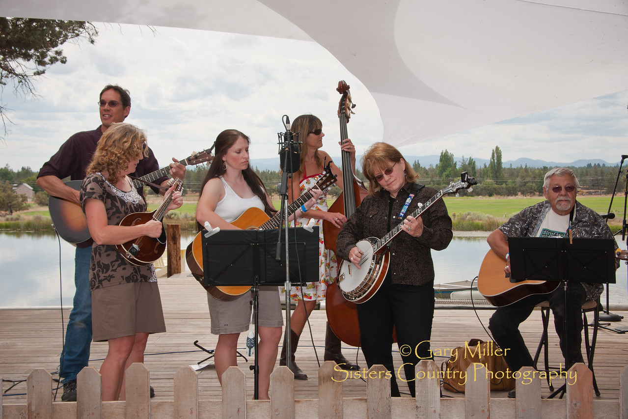Bend'n Strings, High & Dry Bluegrass Festival 2010 - Gary Miller