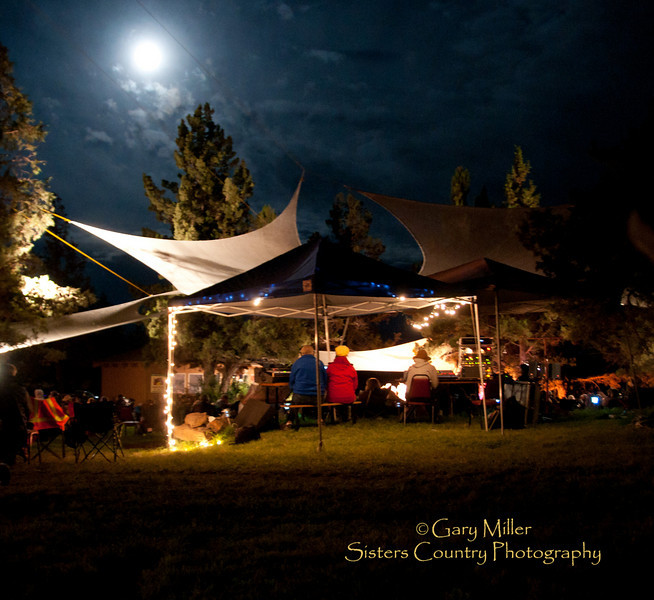 Saturday Night - High & Dry Bluegrass Festival 2010 - Gary Miller - Sisters Country Photography