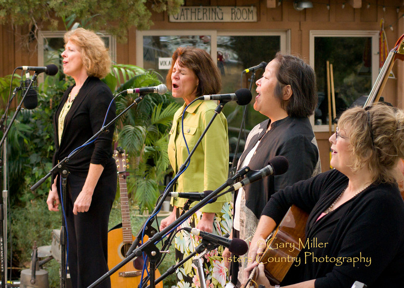 Misty Mamas - High & Dry Bluegrass Festival 2010 - Gary Miller - Sisters Country Photography