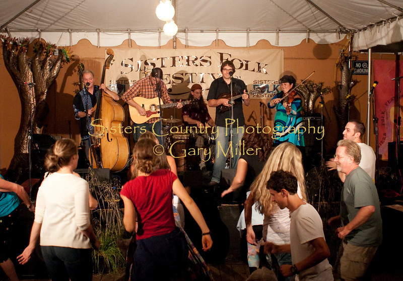 Moon Mountain Rambles - Bronco Billy's - SIsters Folk Festival 2009 - Photo by Gary Miller
