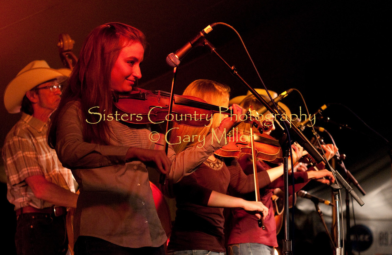Quebe Sisters Band at the Village Green Main Stage, Sisters Folk Festival 2009 - Photo Credit: Gary Miller