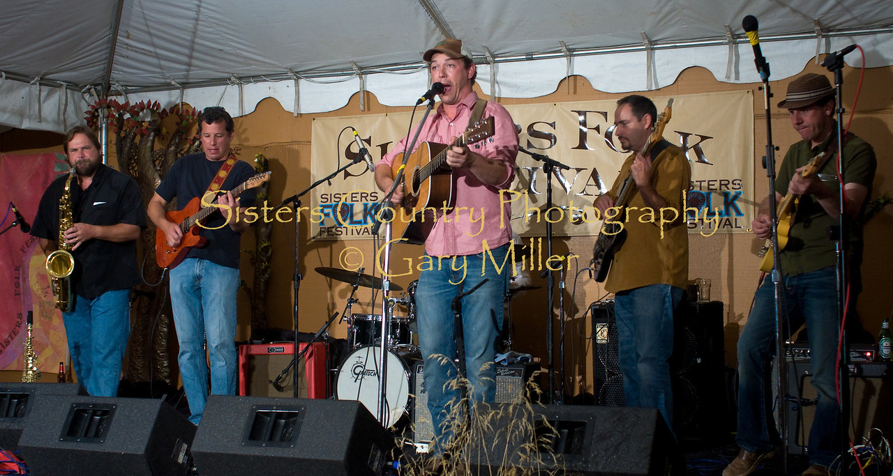 Fiver Brown accompanied by top horn player ???? plays opening night at Bronco Billy's. Sisters Folk Festival 2009. Photo Credit: Gary Miller
