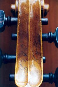 klopp violin headstock
