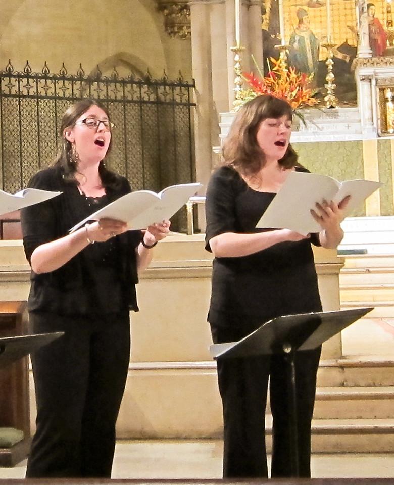 xThe Byrd Ensemble_2013-06-08 003_two women singing
