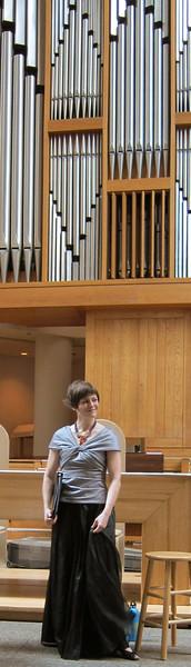xMidtown Concerts_2012-10-18 003_Tracy Cowart, mezzo soprano