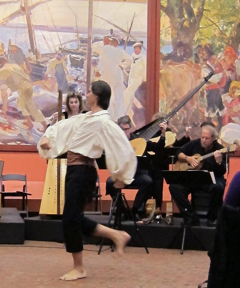 xGEMAS_2013-04-20 015_Carlos dancing