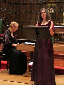 Ellen Delahanty, Gwen Toth, Daphna Mor_2011-10-26 001_dramatic gesture