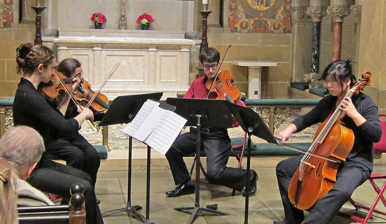xGretchen's Muse_2013-11-21_Midtown Concert Series_4672_performing the Prussian Quartets