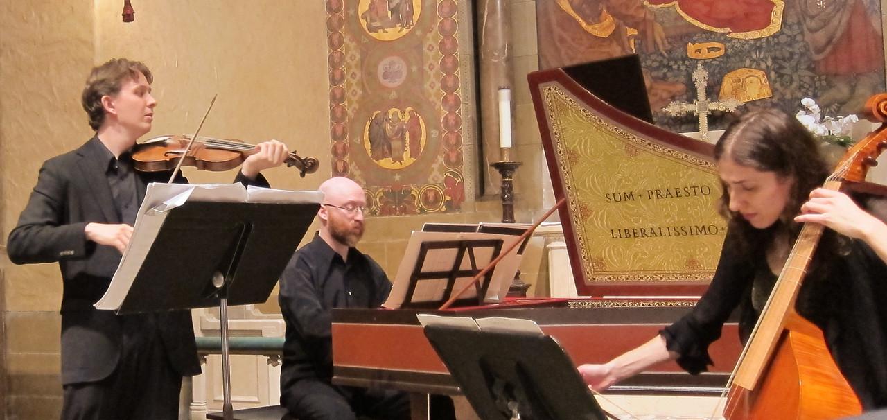 xTrio Coprario_2013-10-31_Midtown Concerts_4590_Jude Ziliak, Elliot Figg, and Elizabeth Weinfield