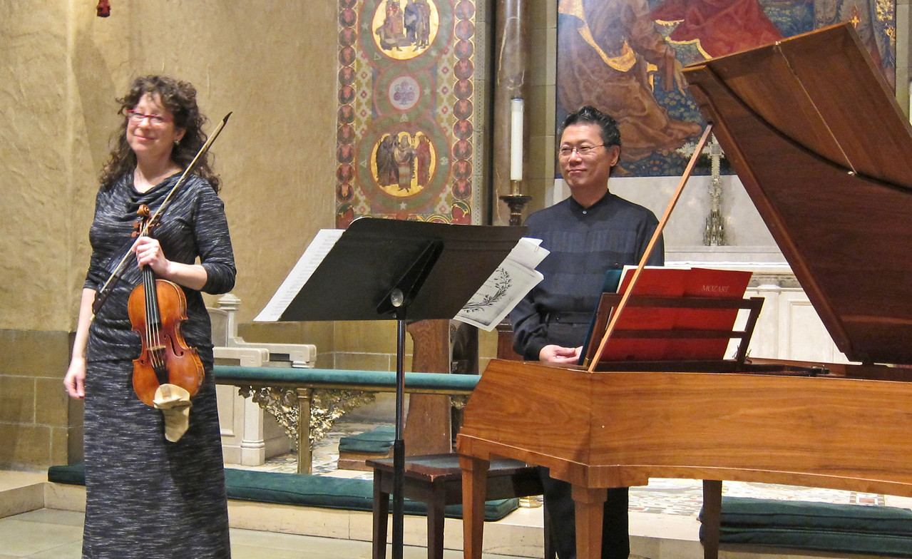 xKaren Marmer and Dongsok Shin_2014-02-27_Midtown Concerts_4986_final bow