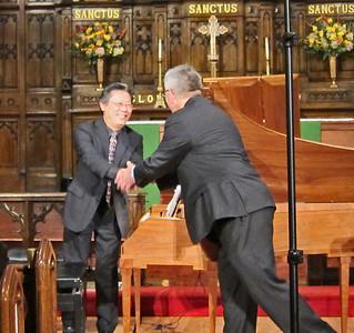 xARTEK_2013-11-14_4637_Music of Beethoven_warm handshake at the end