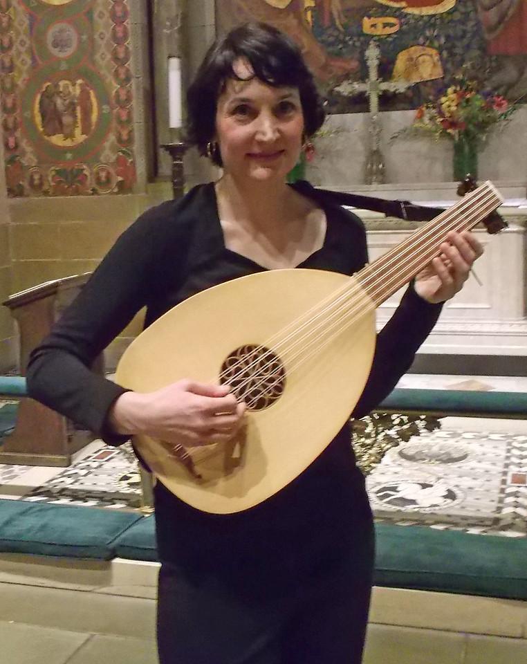 xAmy Bartram_2014-11-06_Midtown Concerts_01_Medieval Song 101