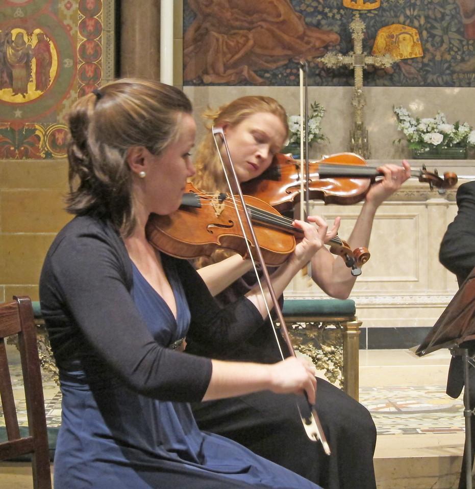 xDiderot Quartet_2016-01-14_Midtown Concerts_8715_Johanna and Adriane