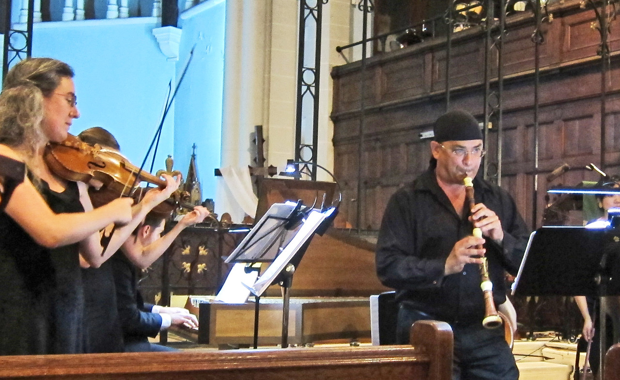 xThe Cantor, the Priest, and the Barber_2015-09-18_7976_Gonzalo and strings
