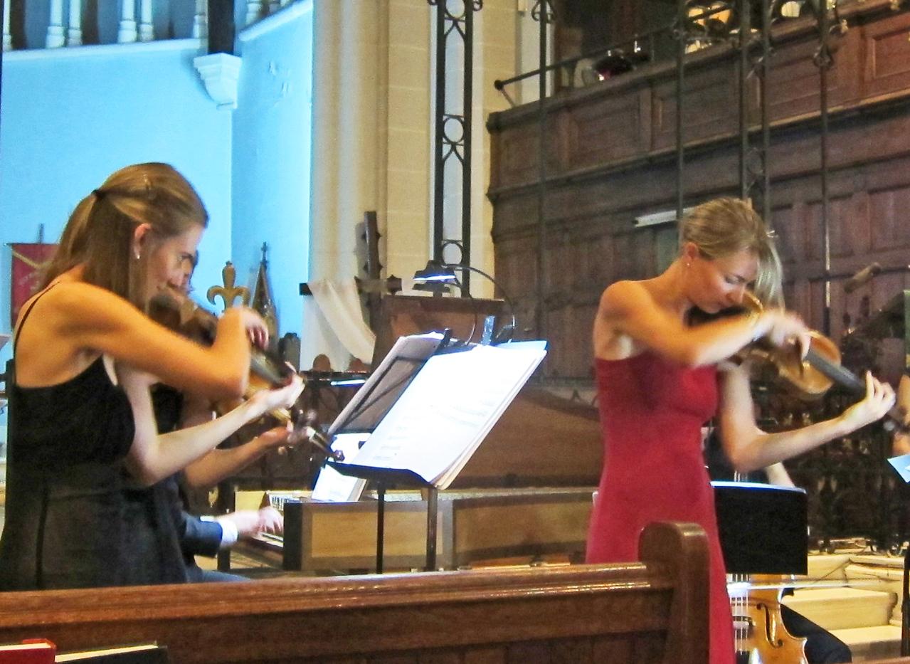 xThe Cantor, the Priest, and the Barber_2015-09-18_7972_Sarah Darling, Tatiana Daubek, playing