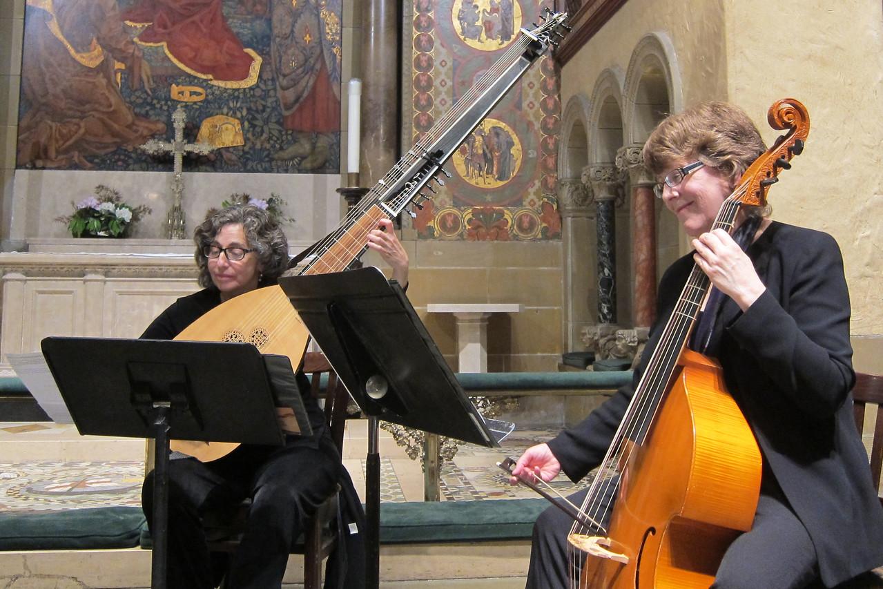 x2017-05-25_The Lyra Consort_Midtown Concerts (28)_Deborah, Lisa