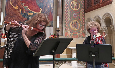 x2017-010-05_Booth and Schulman_Midtown Concerts (2)_Deborah and Louise