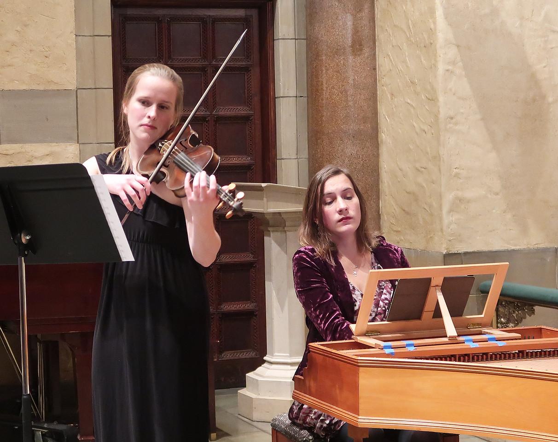x2017-12-07_Zamolodchikova & Kress_Midtown Concerts (26)_Natalie, Elena