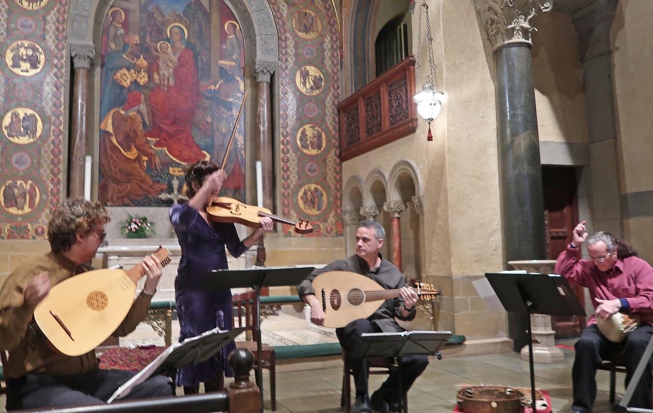 x2018-01-18_ALBA Consort_Midtown Concerts (10)_dramatic ending