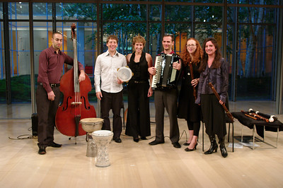 East of the Rive: Avri Borochov, Shane Shanahan, Suzanne Bona of Sunday Baroque, Uri Sharlin, Daphna Mor, Nina Stern