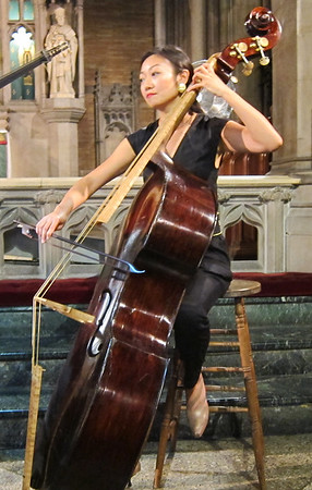 x2016-09-23_NY Baroque Inc_A Roman Legacy (23)_Wen playing