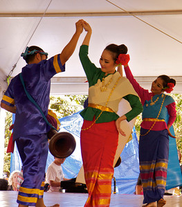Thai Folk Dance - Grow Vee Ra Kasattree, Asian Culture Festival, March 2, 2014