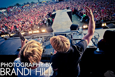 www.brandihill.com specializes in event and wedding documentary photography. LIKE her facebook fanpage here/TAG yourself in these images here :https://www.facebook.com/pages/Photography-by-Brandi-Hill/104528072942217?ref=hl Follow her on twitter here: https://twitter.com/brandihillcom  Performers: Contact Brandi@brandihill.com to attain these images in high resolution, unwatermarked and released of copyright.