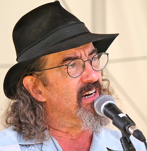 14.08.31 James McMurtry at Savage Oakes Vineyard & Winery in Union