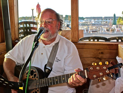 15.08.07 David Gagne at Cod's Head Fish House in Boothbay Harbor