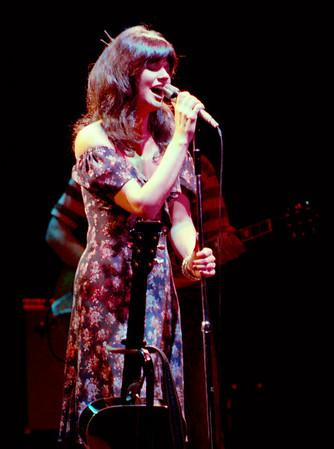 Linda Ronstadt - UT Arlington August 1977