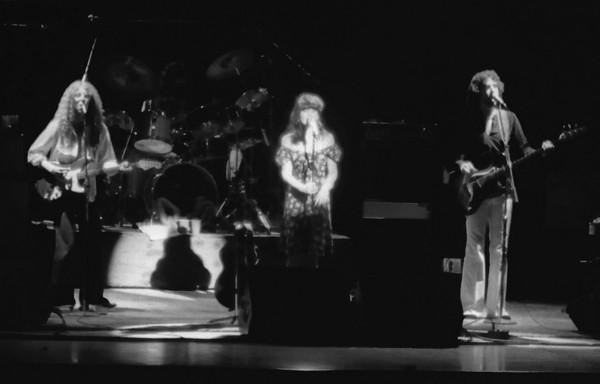 Waddy Wachtel with Linda Ronstadt - UT Arlington August 1977