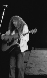 Waddy Wachtel with Linda Ronstadt - UT Arlington August 1977