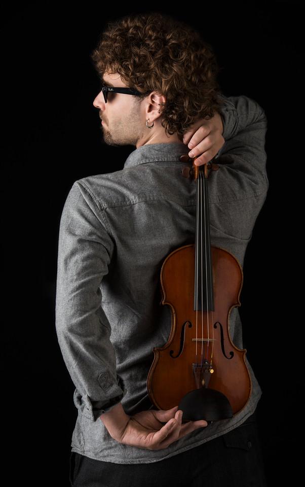 Violinist: Ernesto Llorens