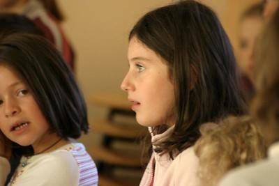 chœur de formation musicale - 11 Classes d'IM1 et IM2 de P. Villedary et P. Sénécal Le chef de chœur est A. Guiot