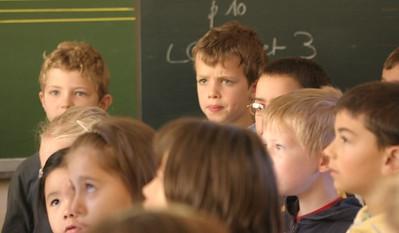 chœur de formation musicale - 8 Classes d'IM1 et IM2 de P. Villedary et P. Sénécal Le chef de chœur est A. Guiot