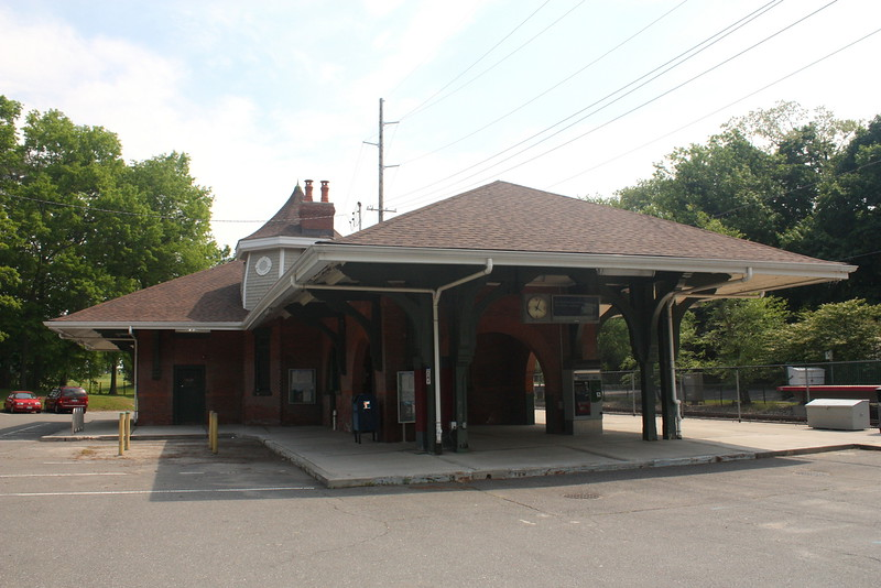 Glen Cove station of the LIRR