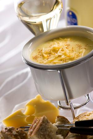 Stone Ground Mustard & Cheese Fondue