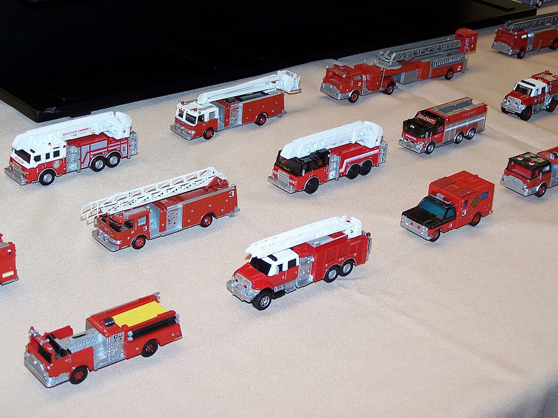 A wide variety of 1/87 scale kitbashed fire apparatus utilizing components from Matchbox, Boley, IHC and more.