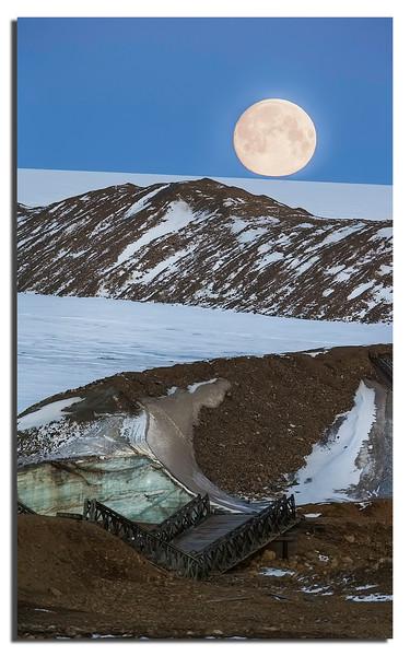 493. Moon over Ice sheet @ Camp TUTO.