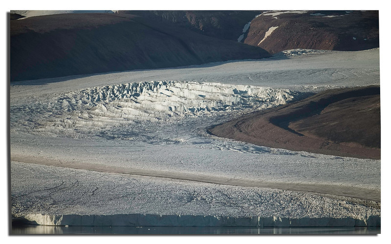 436. Detail of Chamberlain Glacier @ 700mm.