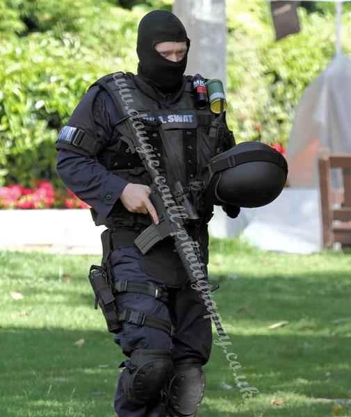 World War Z - SWAT Cop - George Square - 25 August 2011