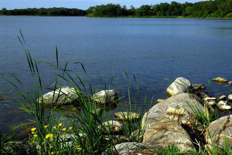 N - Monson Lake