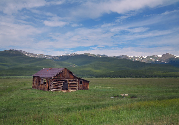 Colorado_shack_side-of-road