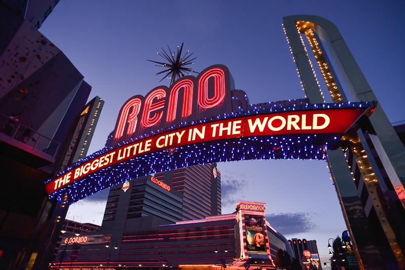 Reno Candids 221008