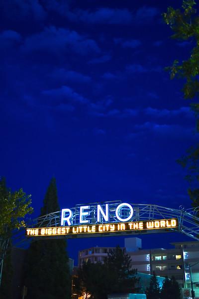 Reno Candids 083951