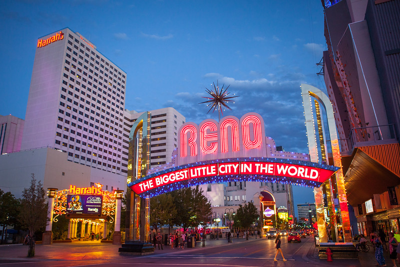 Reno Candids 221955