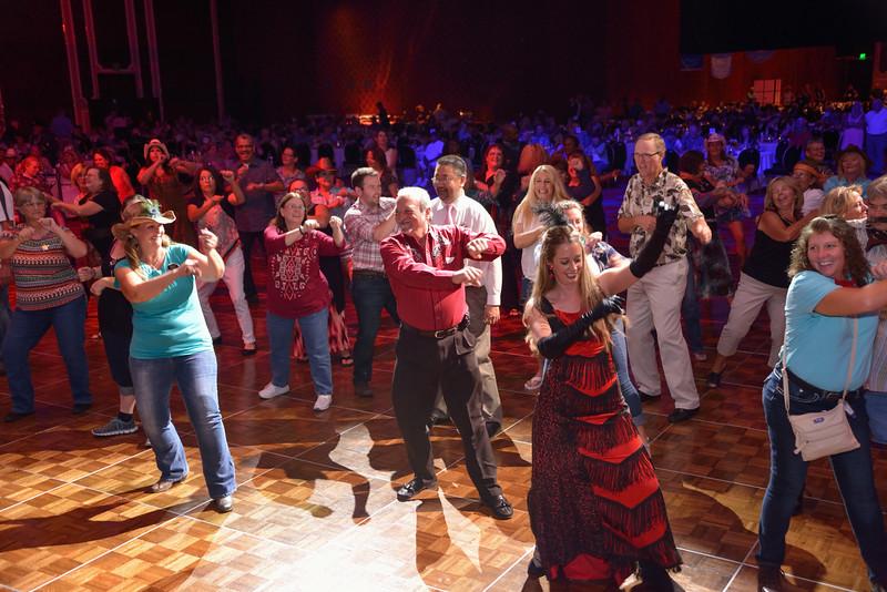 Banquet Dancing 204308