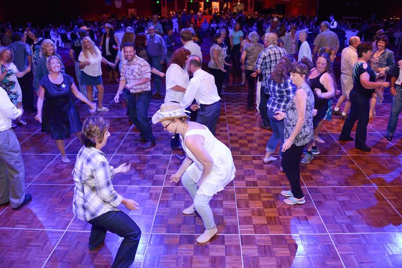 Banquet Dancing 210744