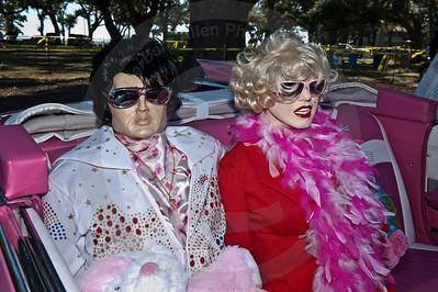 Elvis and  Marilyn Cruise the Coast