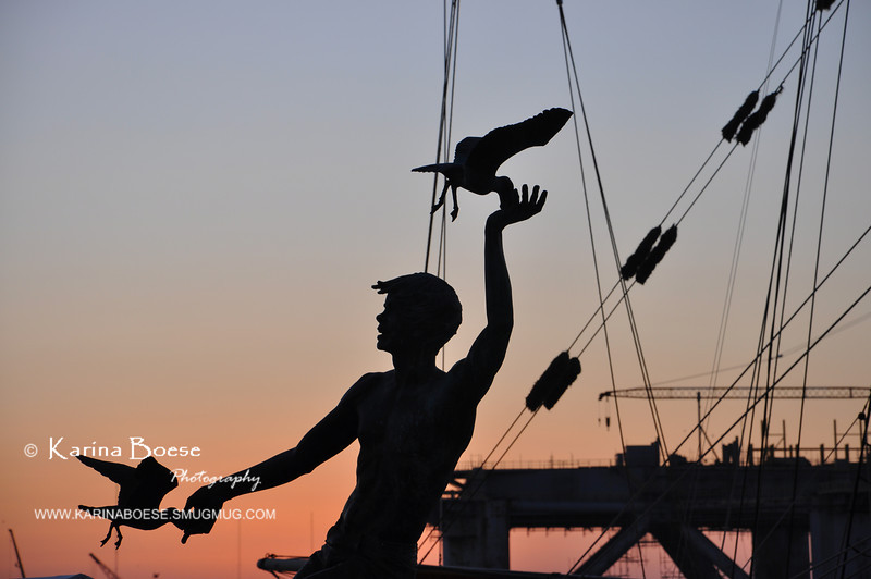 The Boy with The Seaguls' Statue (Galveston, Texas)<br /> Thu. May 31, 2012 (day 187)<br /> <br /> I'm still going through the Galveston pics from last weekend...